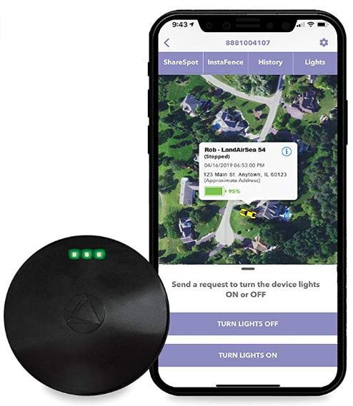 最佳防水:LandAirSea 54 GPS 车辆追踪器